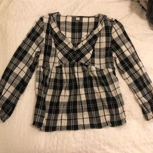 Old Navy plaid shirt in black and white - small